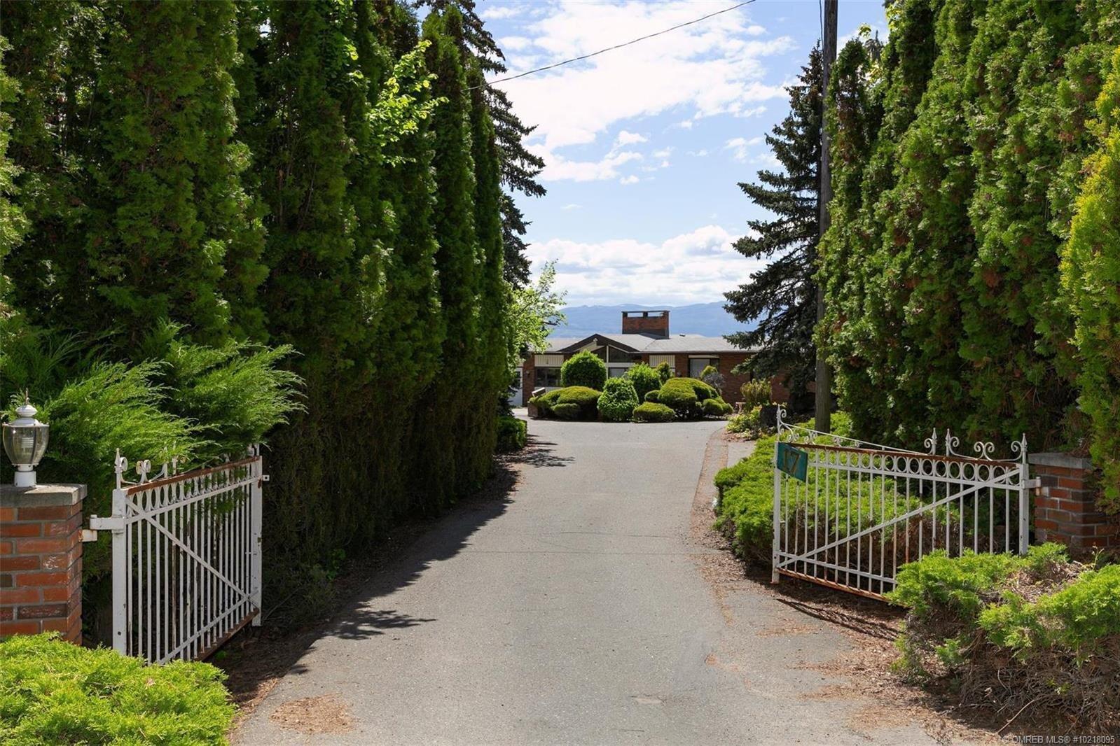 House for sale at 17 Alameda Ct Kelowna British Columbia - MLS: 10218095