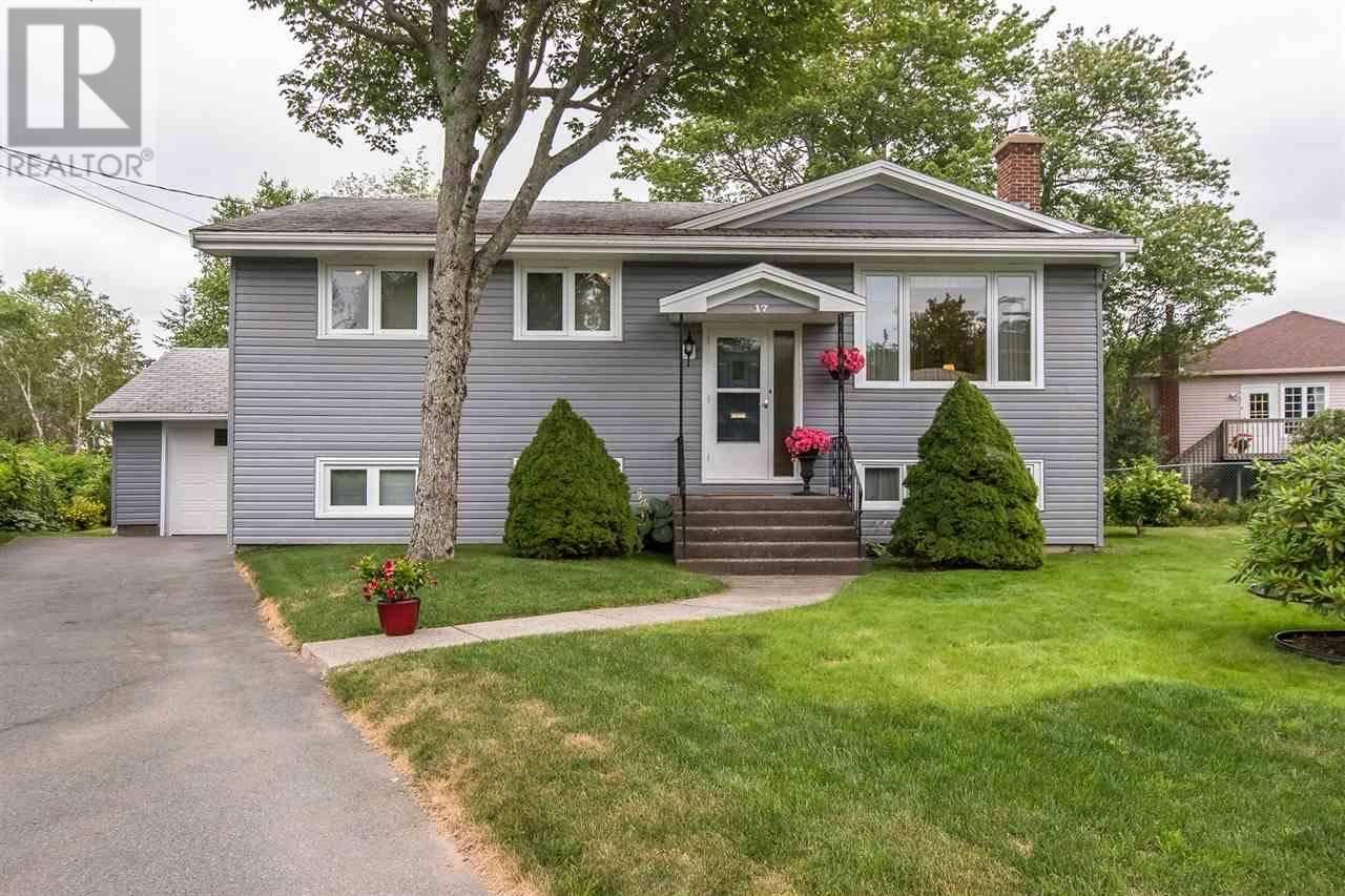 House for sale at 17 Bobolink St Halifax Nova Scotia - MLS: 201919538