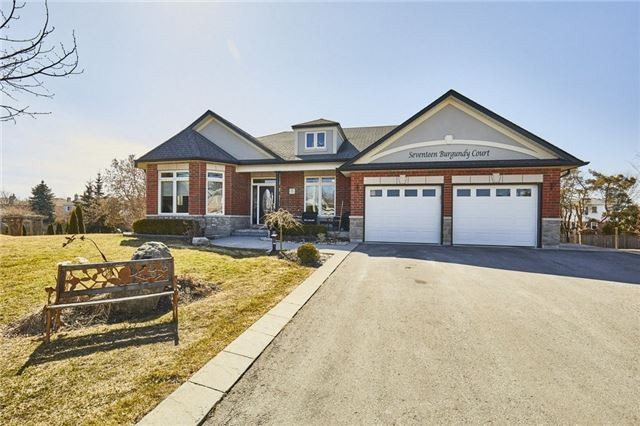 For Sale: 17 Burgundy Court, Whitby, ON   2 Bed, 3 Bath House for $1,199,000. See 20 photos!