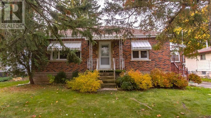 House for sale at 17 Church St Waterdown Ontario - MLS: 30772526