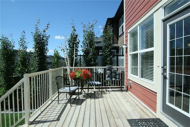 For Sale: 17, Cochrane, AB | 3 Bed, 2 Bath House for $477,700. See 38 photos!