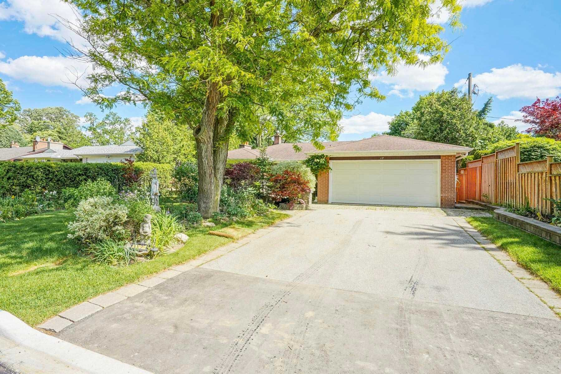 For Sale: 17 Dalmeny Road, Markham, ON | 3 Bed, 3 Bath House for $1620000.00. See 30 photos!