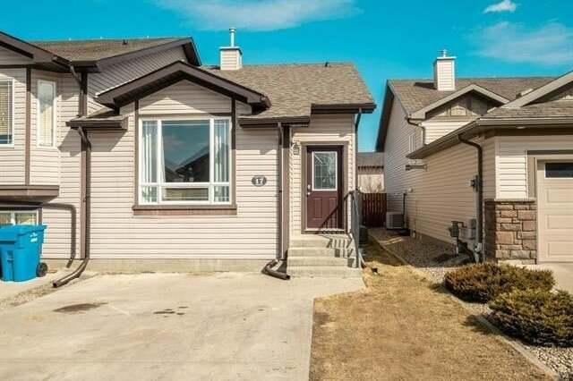 Townhouse for sale at 17 Dorothy Gentleman Cres North Lethbridge Alberta - MLS: LD0192052