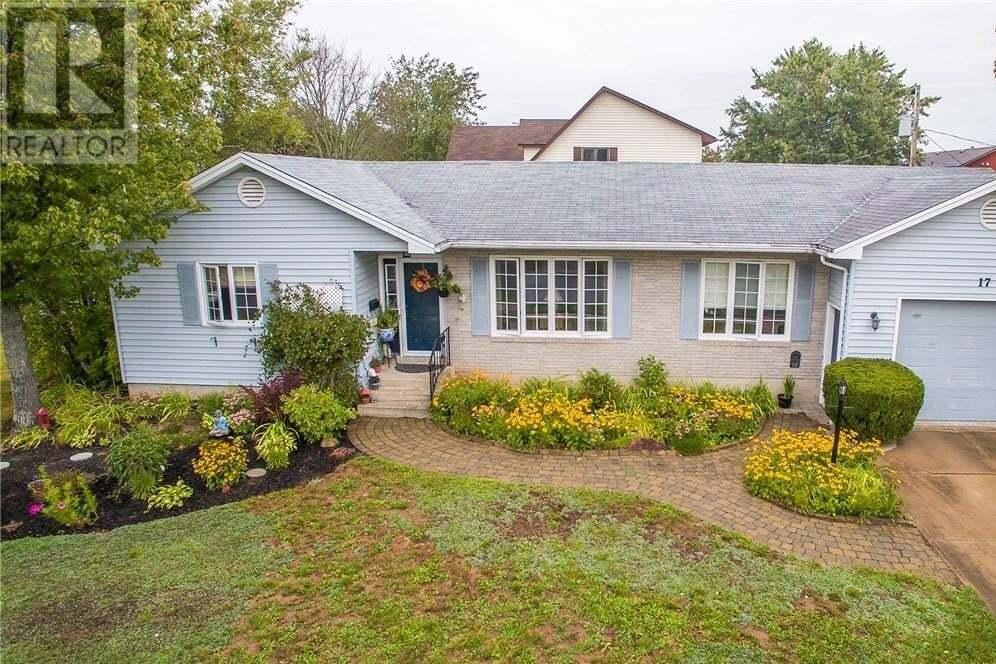 House for sale at 17 Elmhurst Rd Moncton New Brunswick - MLS: M131068