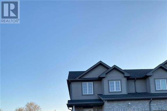 Townhouse for sale at 17 Golden Terrace Ct Kitchener Ontario - MLS: 30805832