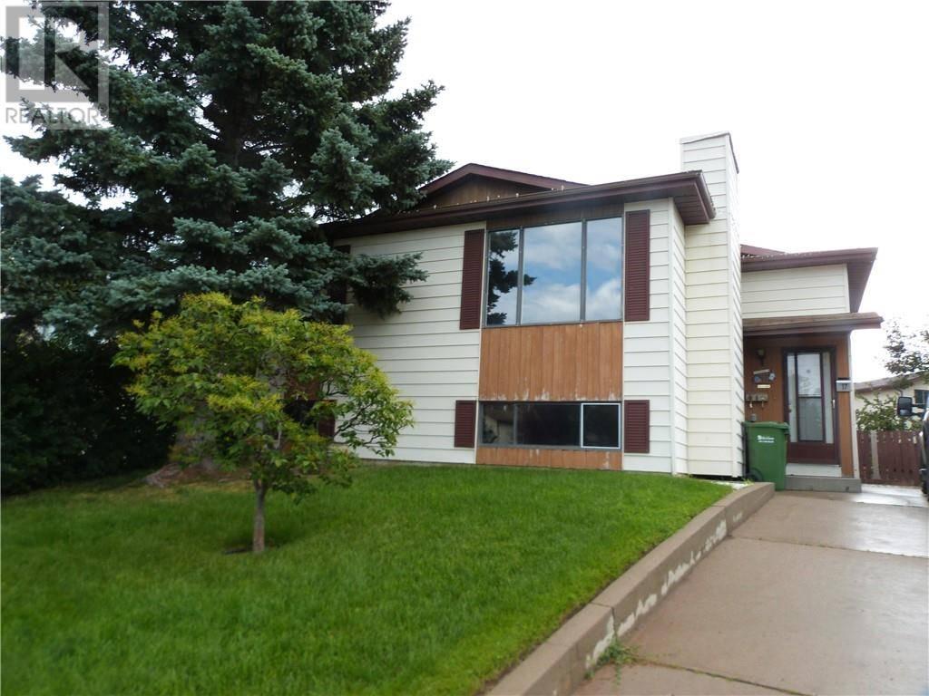 House for sale at 17 Gordon St Red Deer Alberta - MLS: ca0175770