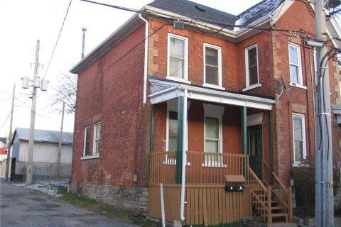 Townhouse for sale at 17 John St Brockville Ontario - MLS: 1219837