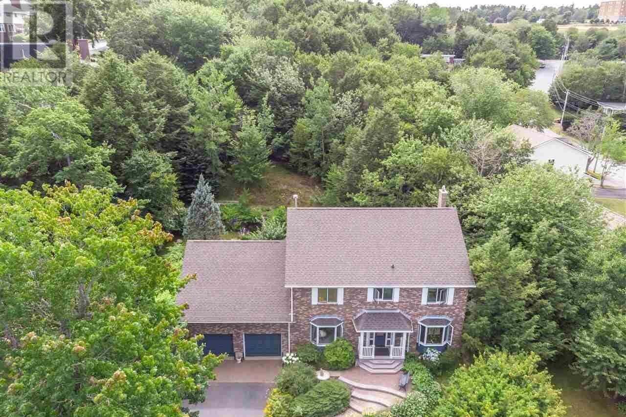 House for sale at 17 Kelvin Gr Halifax Nova Scotia - MLS: 202015315