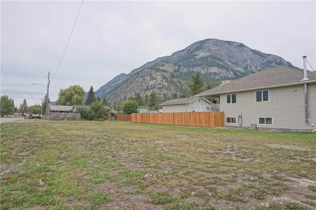 Home for sale at Lot 17 Stevens Avenue  Unit 17 Canal Flats British Columbia - MLS: 2441099