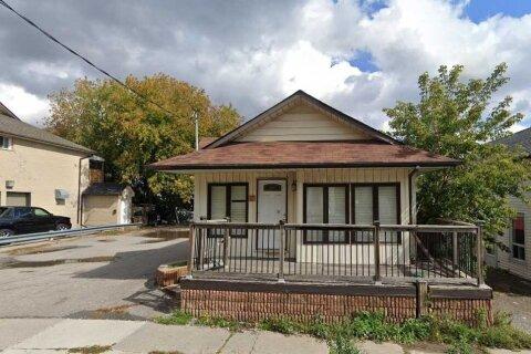 House for sale at 17 Nassau St Oshawa Ontario - MLS: E5081889