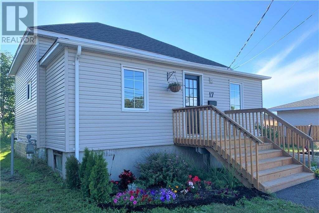 House for sale at 17 Railway Ave Parry Sound Ontario - MLS: 277324
