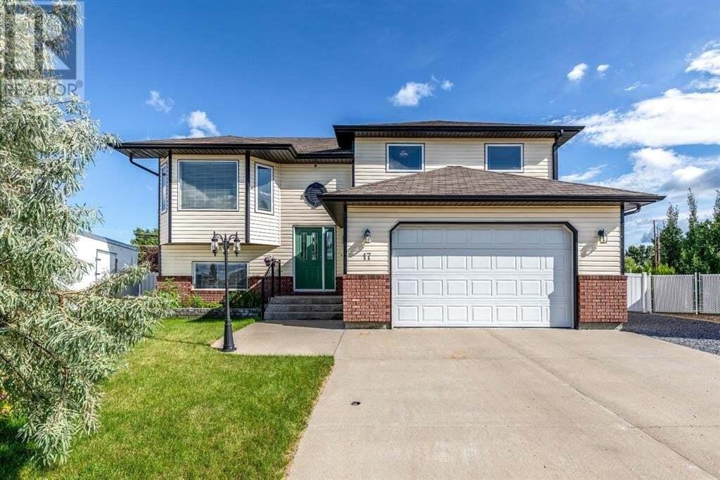House for sale at 17 Scott Green Southeast Medicine Hat Alberta - MLS: A1008568
