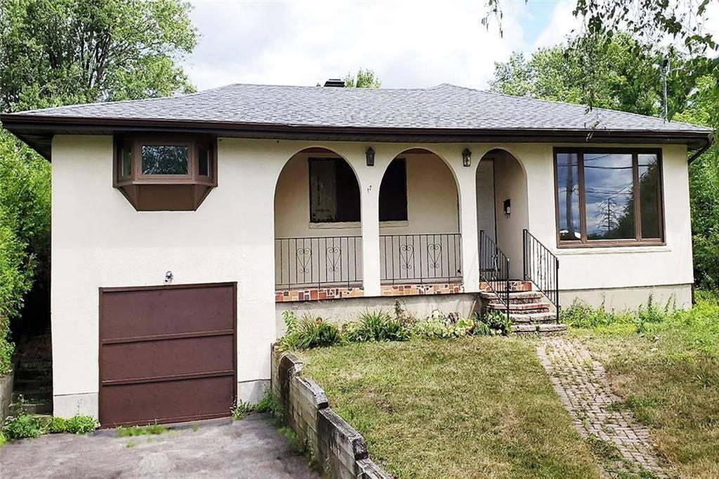Home for sale at 17 Tauvette St Ottawa Ontario - MLS: 1168334