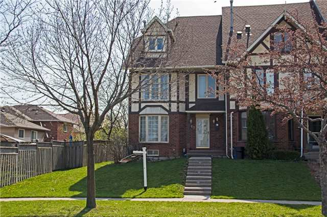 Sold: 17 Waterford Crescent, Hamilton, ON