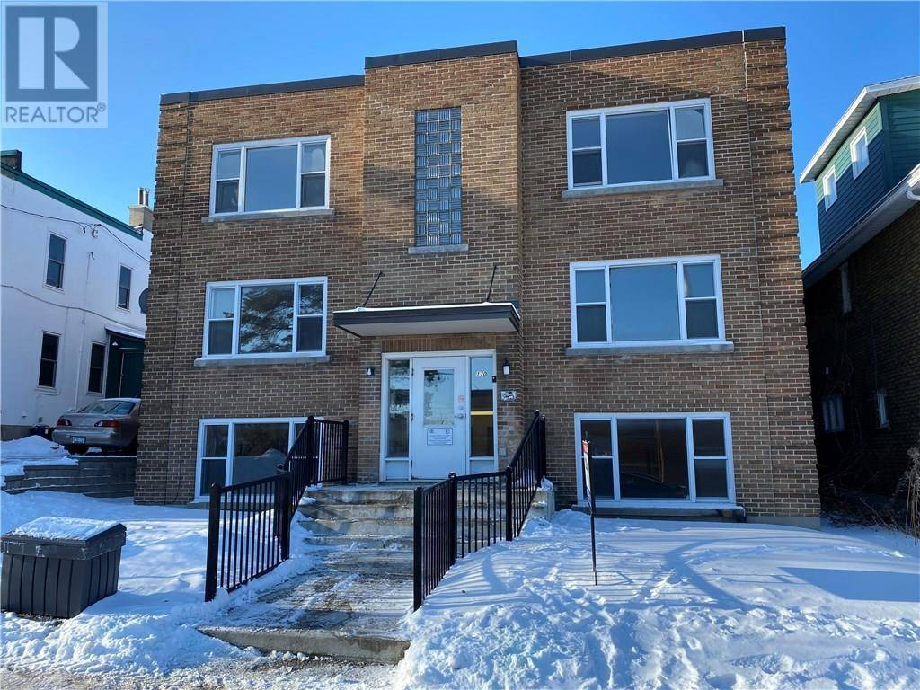 Townhouse for sale at 170 Breezehill Ave N Ottawa Ontario - MLS: 1179233