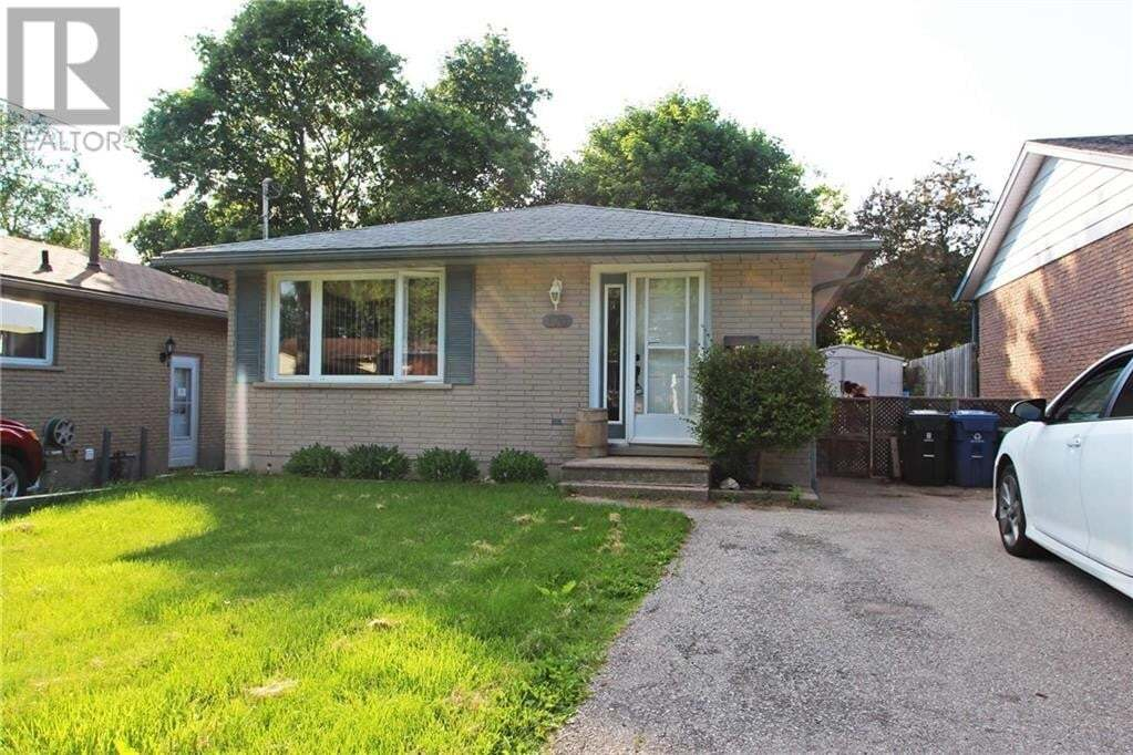 House for sale at 170 Country Club Dr Guelph Ontario - MLS: 30821770