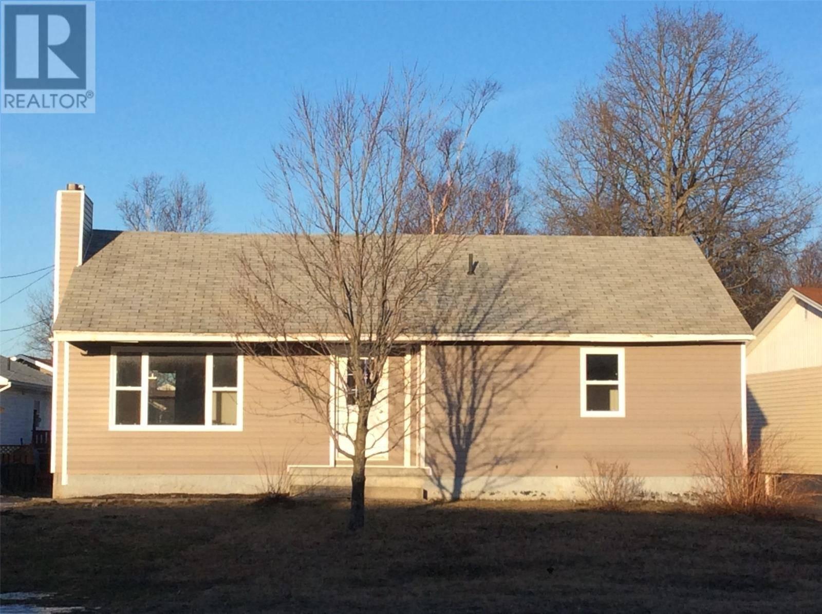 House for sale at 170 Elizabeth Dr Gander Newfoundland - MLS: 1170194