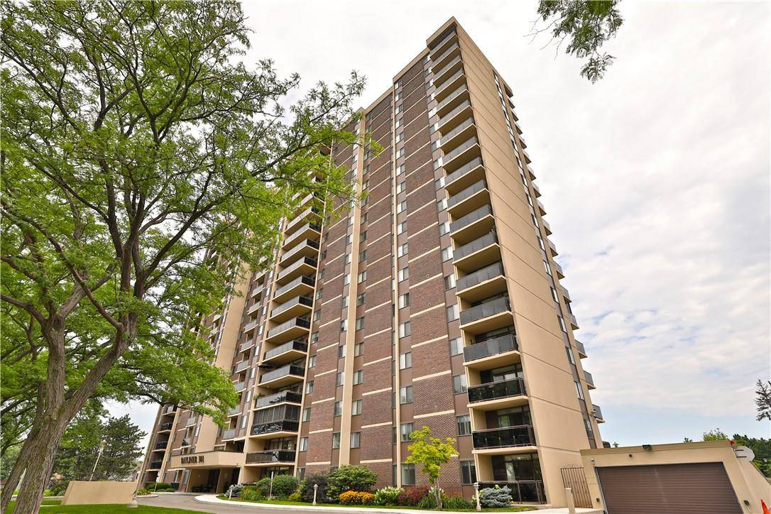 Condo for sale at 301 Frances Ave Unit 1701 Stoney Creek Ontario - MLS: H4075696