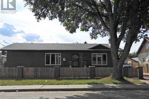 House for sale at 1701 B Ave N Saskatoon Saskatchewan - MLS: SK764750