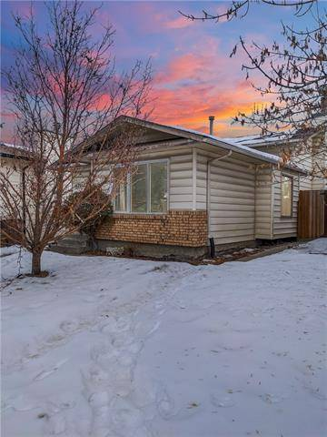 House for sale at 17012 Sunvale Rd Southeast Calgary Alberta - MLS: C4283279