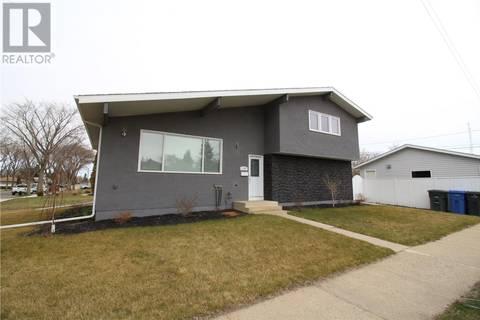 House for sale at 1702 98th St North Battleford Saskatchewan - MLS: SK771587