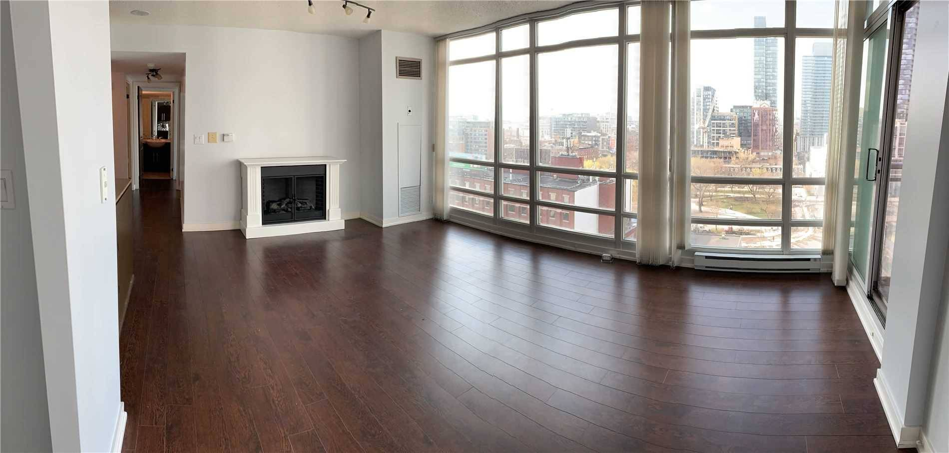 Apartment for rent at 381 Front St Unit 1703 Toronto Ontario - MLS: C4698193
