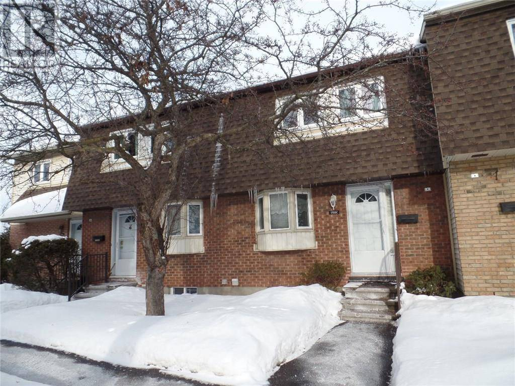 Townhouse for sale at 1705 Lamoureux Dr Ottawa Ontario - MLS: 1182813