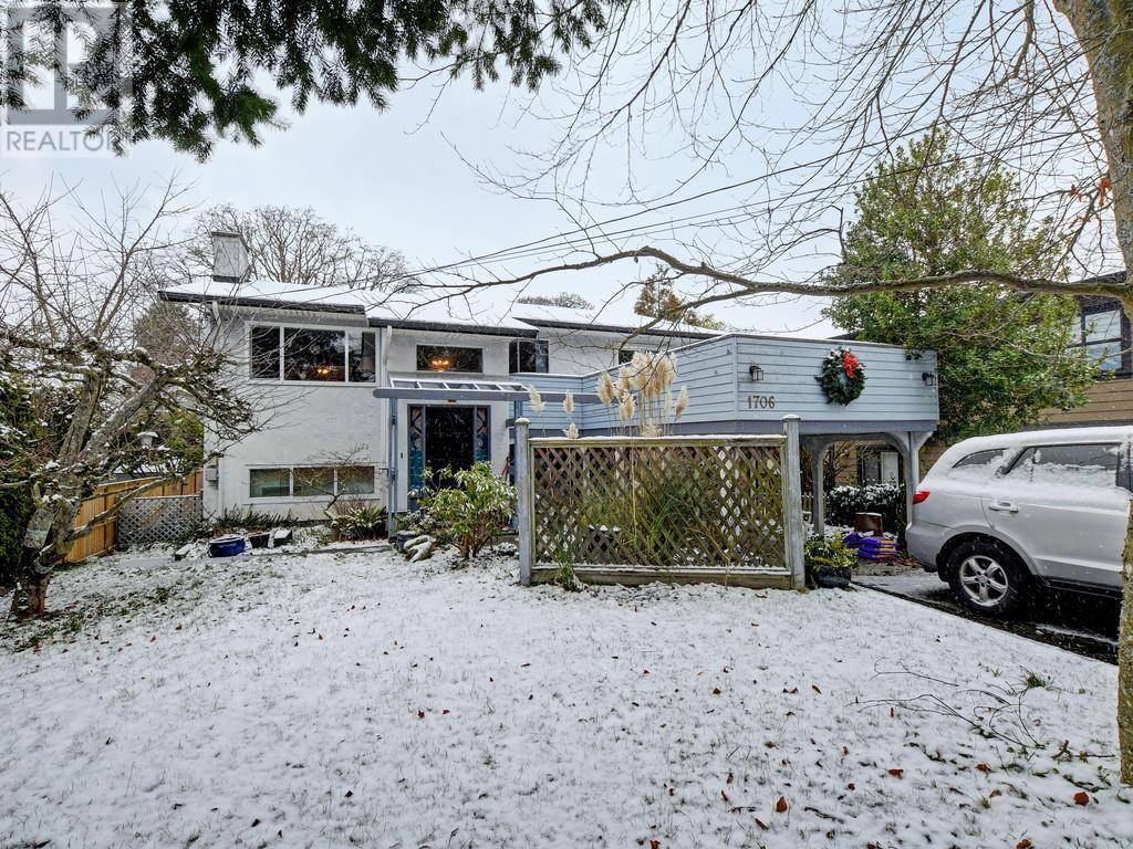 House for sale at 1706 Christmas Ave Victoria British Columbia - MLS: 420004