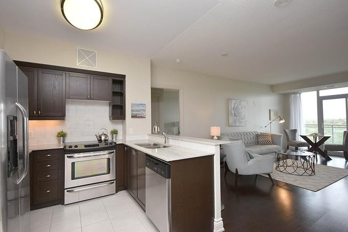 Buliding: 1665 The Collegeway Street, Mississauga, ON