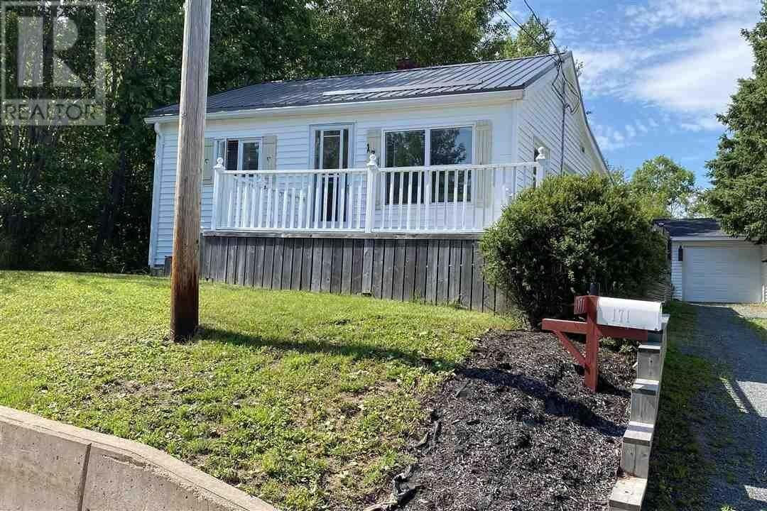 House for sale at 171 Munroe Ave New Glasgow Nova Scotia - MLS: 202013850