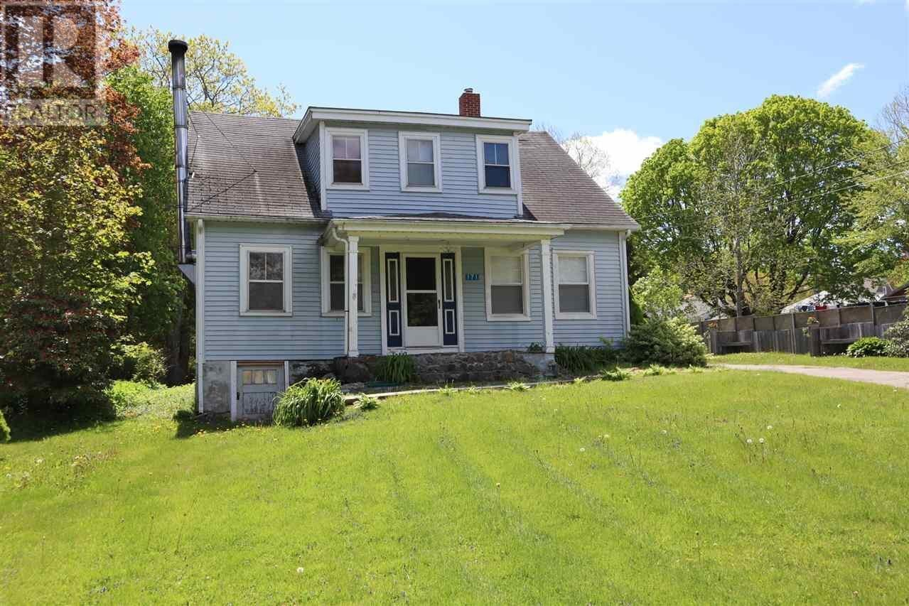 House for sale at 171 Waterloo St Liverpool Nova Scotia - MLS: 201913483