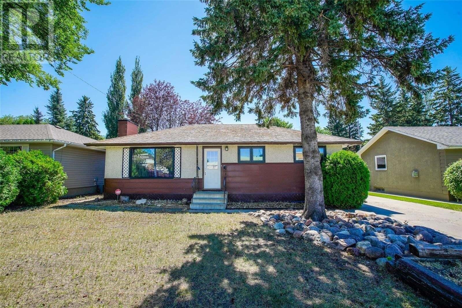 House for sale at 1712 Drinkle St Saskatoon Saskatchewan - MLS: SK819456