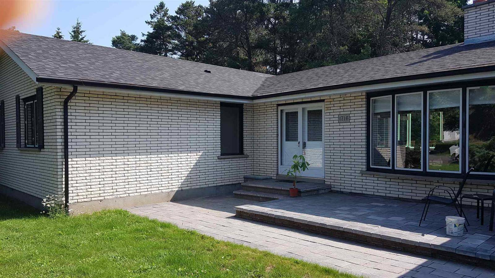 House for sale at 1716 Highland Ct Thunder Bay Ontario - MLS: TB192413