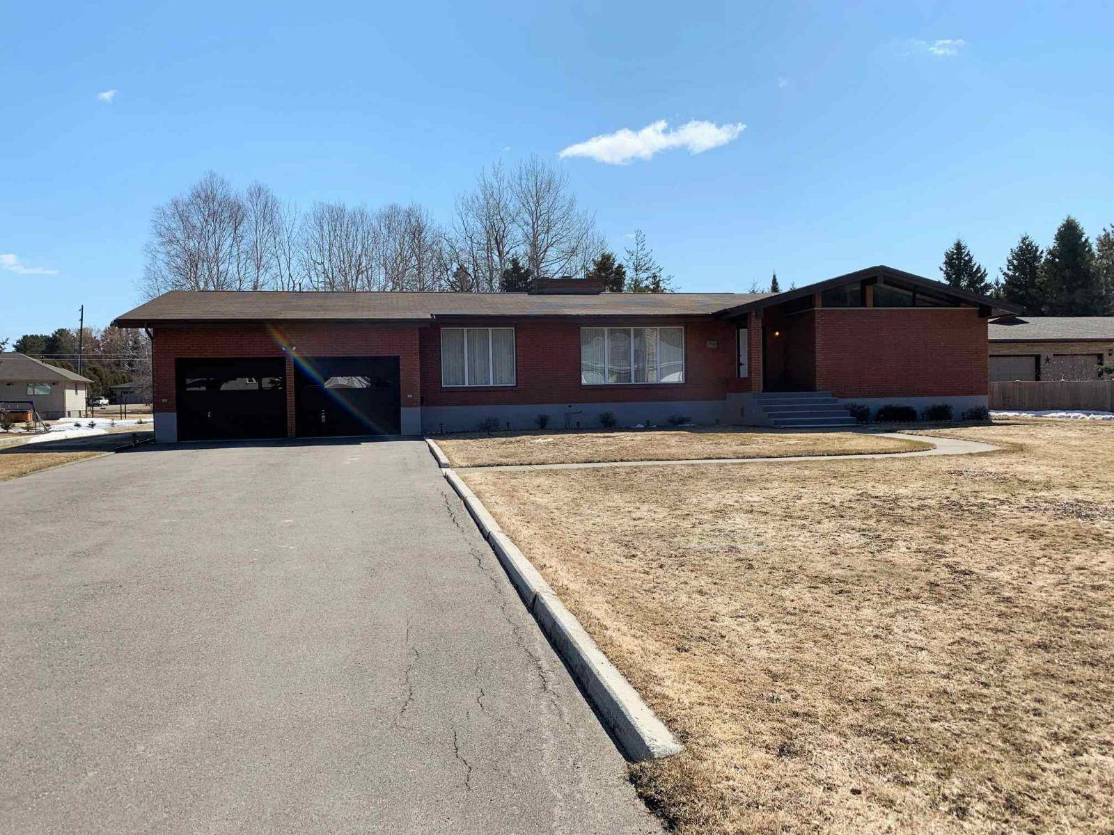 House for sale at 1716 Kerega Rd Thunder Bay Ontario - MLS: TB193253