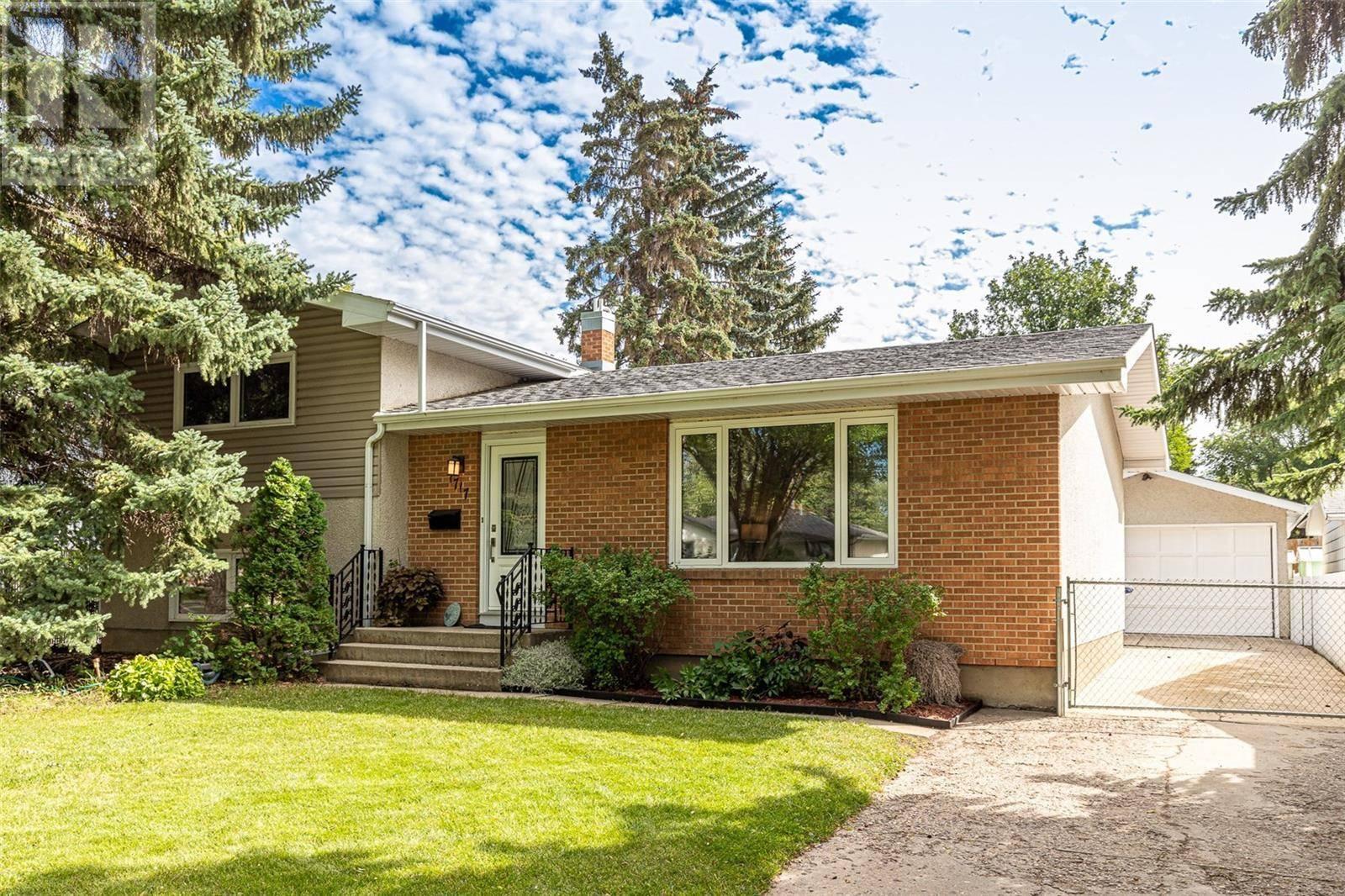 House for sale at 1717 Arlington Ave Saskatoon Saskatchewan - MLS: SK783457