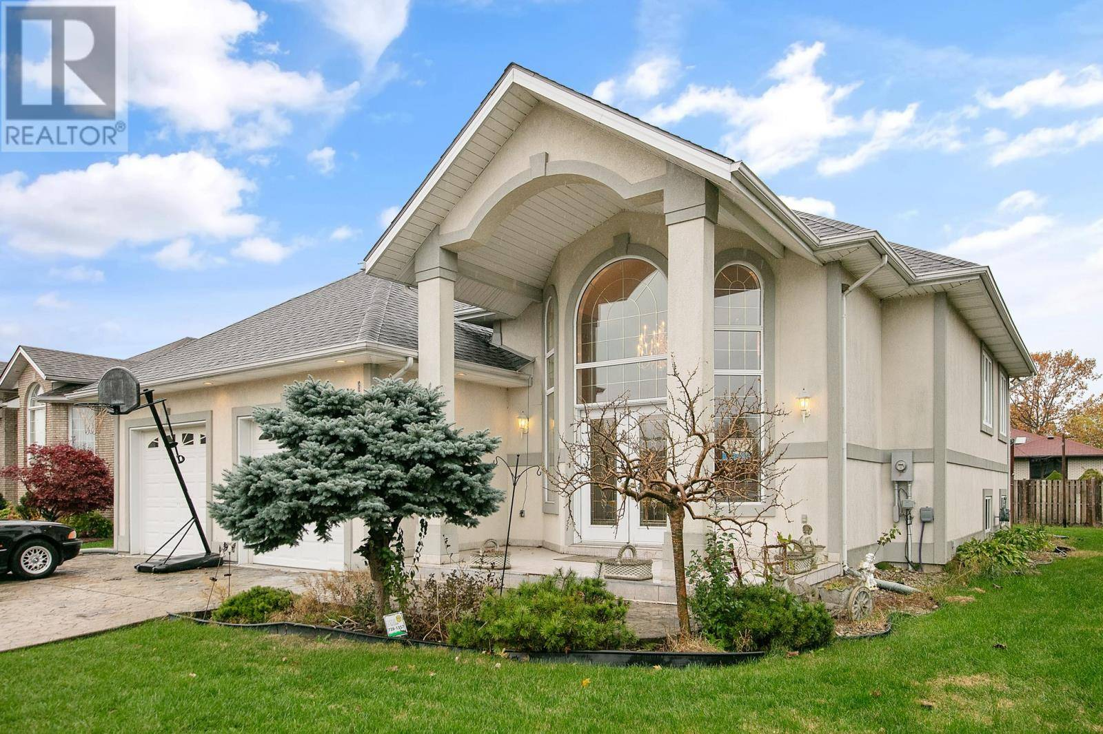 House for sale at 1717 Chornoby  Tecumseh Ontario - MLS: 19028193
