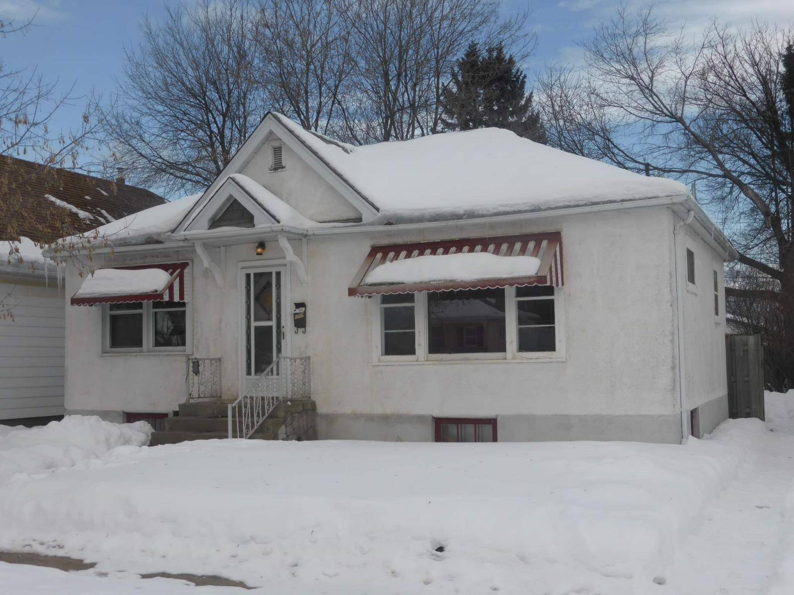 House for sale at 1717 Sills St Thunder Bay Ontario - MLS: TB200196