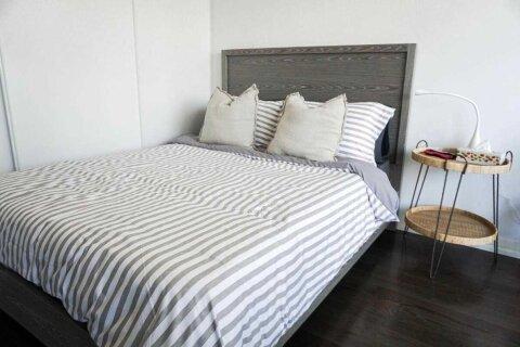 Apartment for rent at 460 Adelaide St Unit 1719 Toronto Ontario - MLS: C4979140