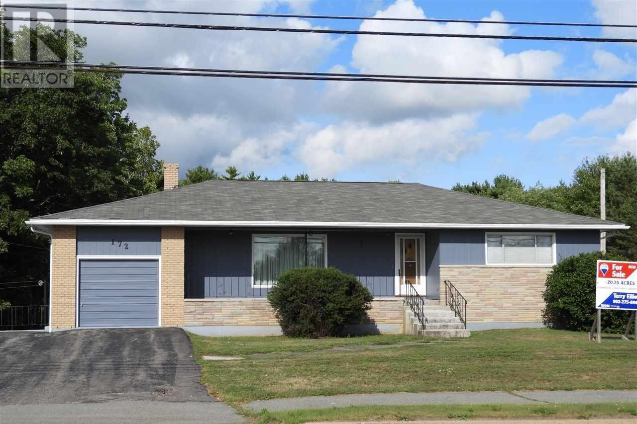 House for sale at 172 North St Bridgewater Nova Scotia - MLS: 201919261