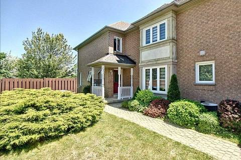 Townhouse for sale at 172 Pressed Brick Dr Brampton Ontario - MLS: W4498175
