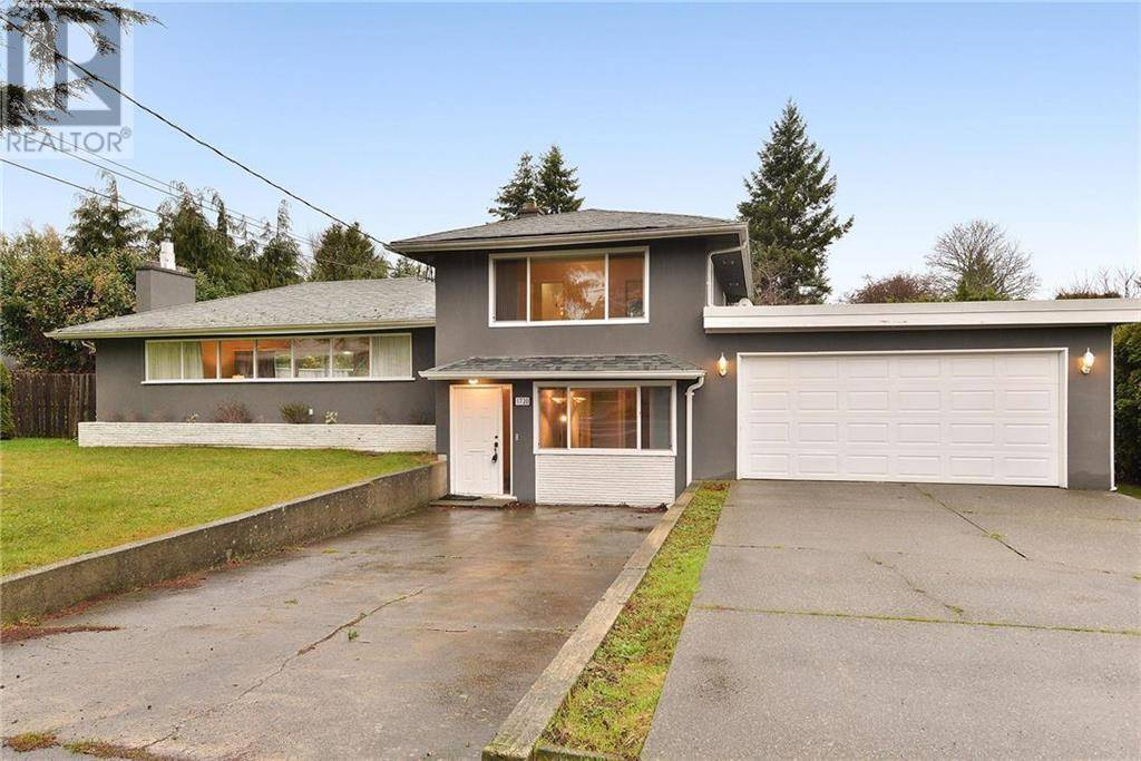 House for sale at 1720 Ash Rd Victoria British Columbia - MLS: 419578
