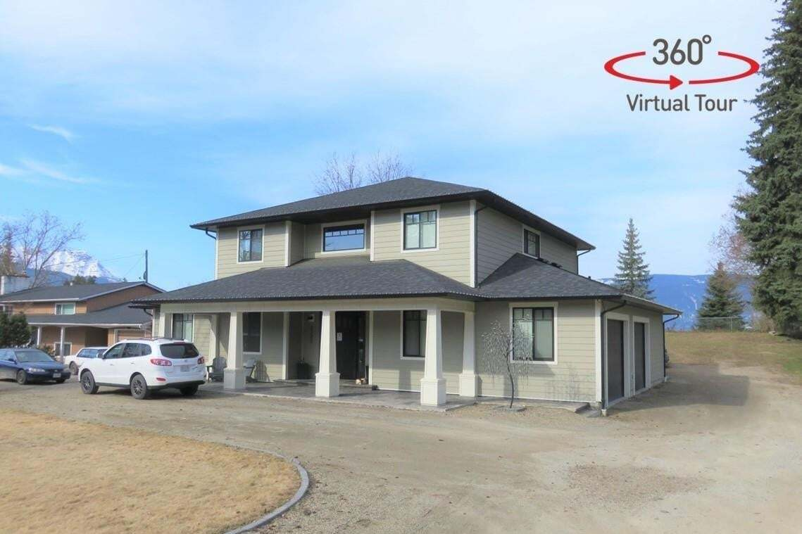 House for sale at 1721 30 St Northeast Salmon Arm British Columbia - MLS: 10201678