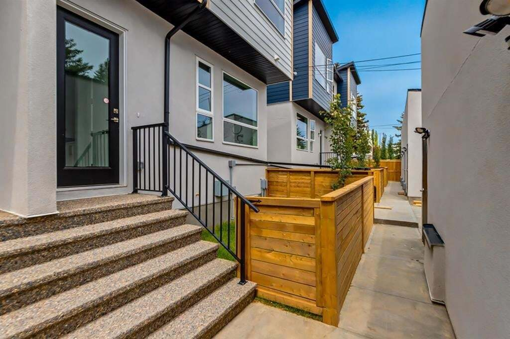Townhouse for sale at 1722 32 St Southwest Calgary Alberta - MLS: A1010189