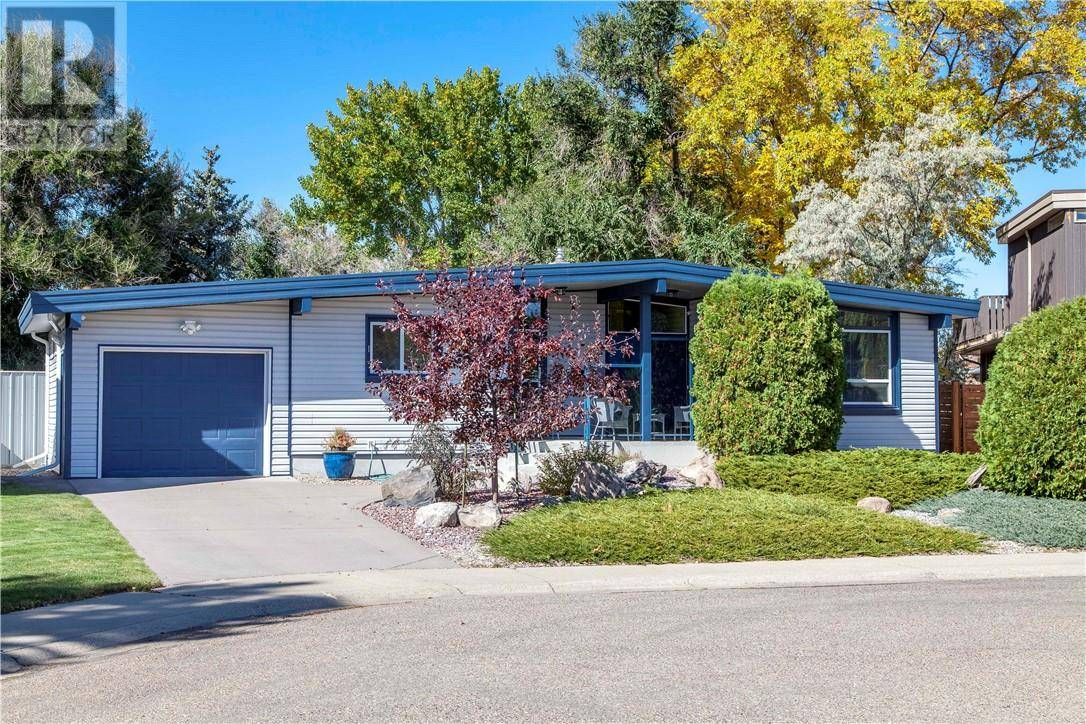 House for sale at 1722 Lakehill Cres S Lethbridge Alberta - MLS: ld0186788