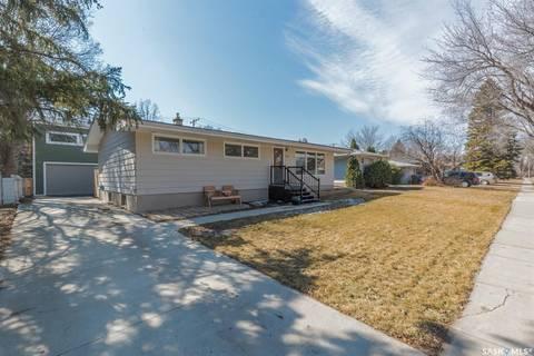 House for sale at 1723 Macpherson Ave Regina Saskatchewan - MLS: SK804554