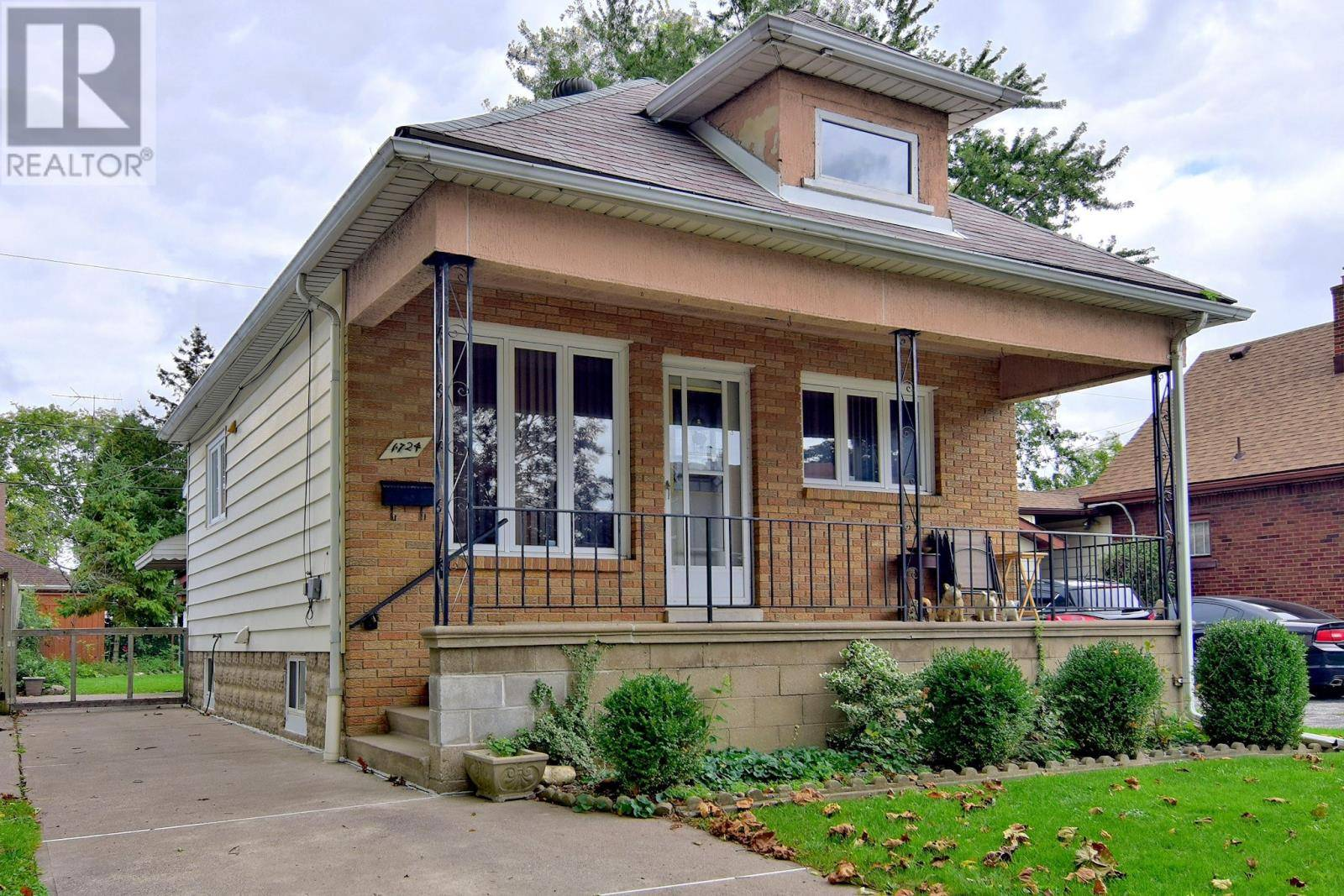 House for sale at 1724 Cadillac  Windsor Ontario - MLS: 19026589
