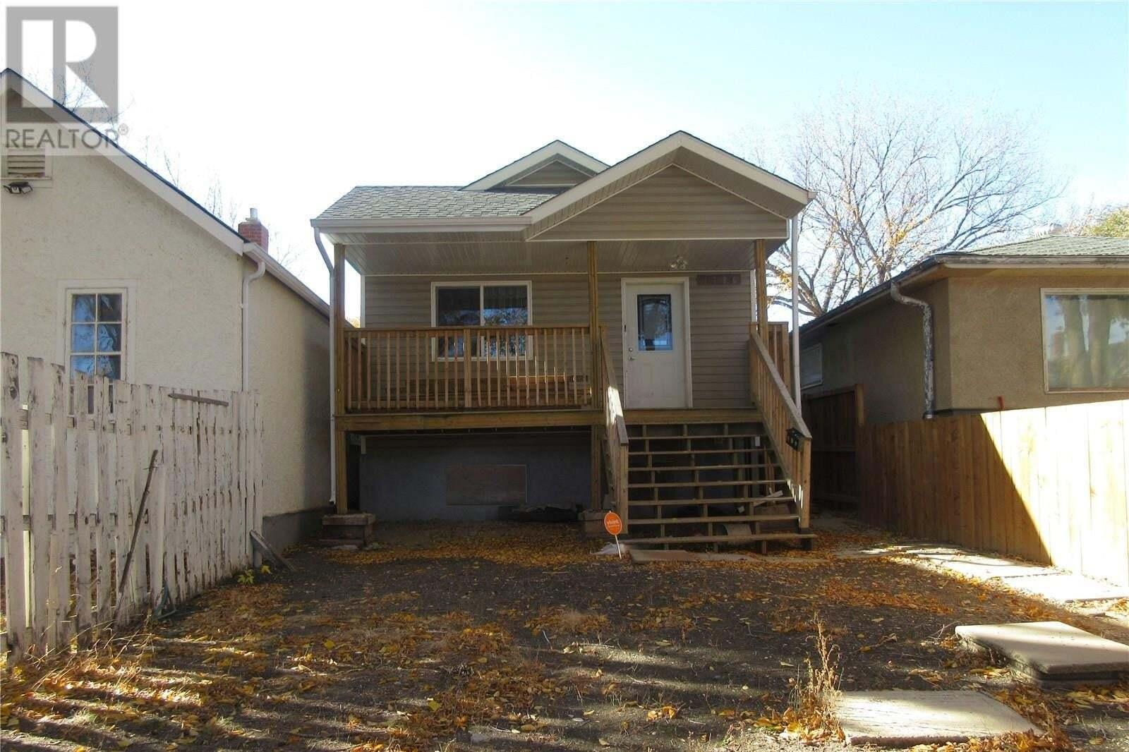 House for sale at 1726 Quebec St Regina Saskatchewan - MLS: SK830726