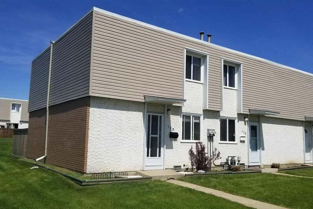 Townhouse for sale at 173 Cornell Co NW Edmonton Alberta - MLS: E4199224