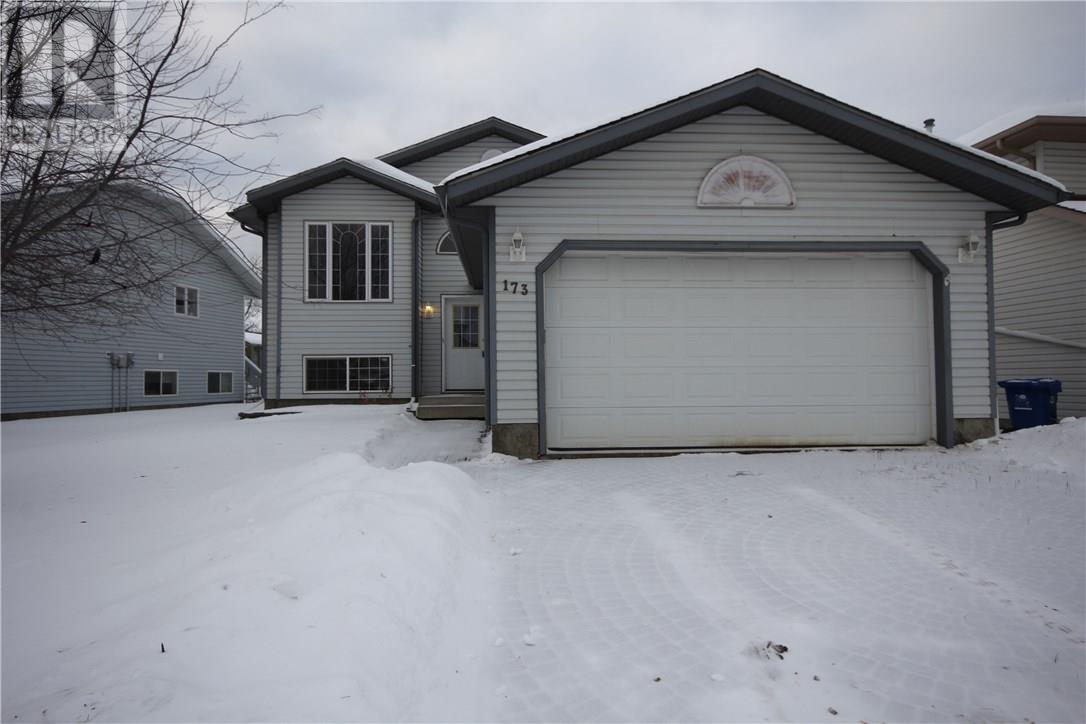 For Sale: 173 Eglert Drive, Fort Mcmurray, AB   5 Bed, 3 Bath House for $569,900. See 20 photos!