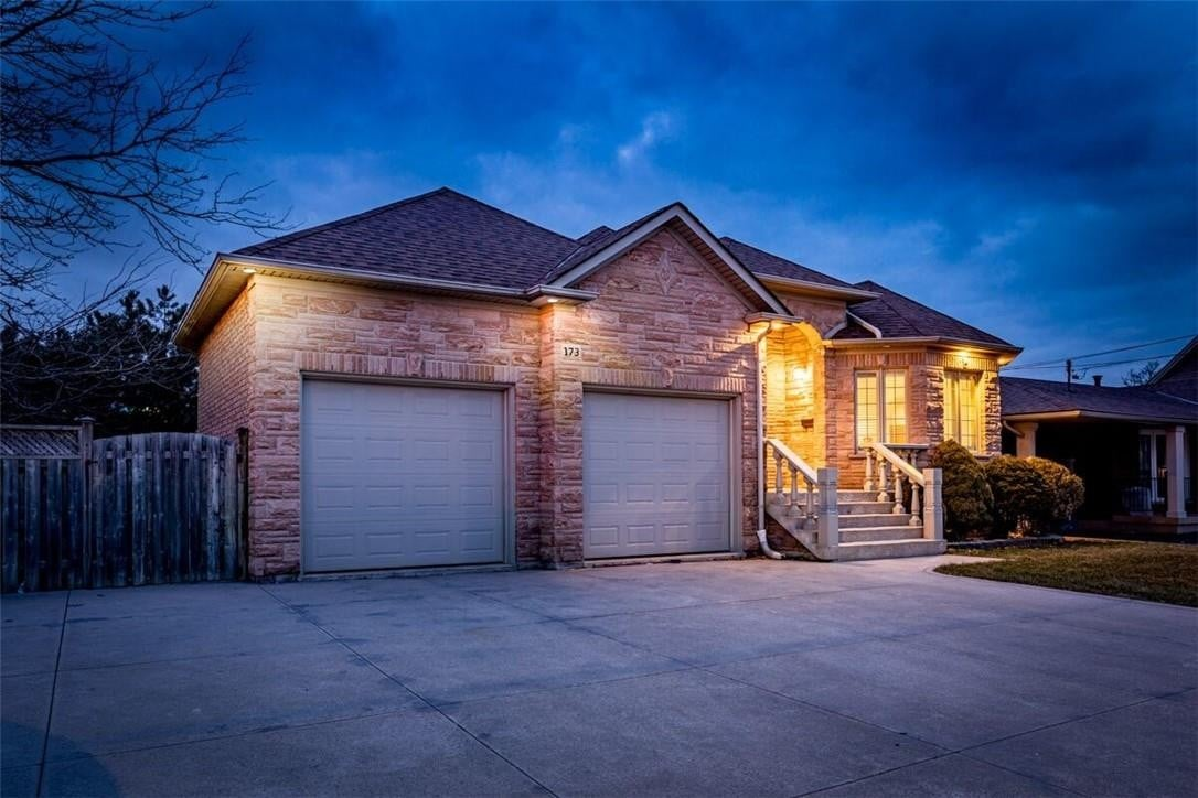 House for sale at 173 Millen Rd Stoney Creek Ontario - MLS: H4081531